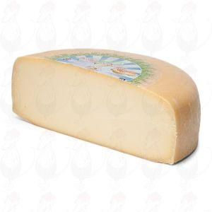 Ungt lagrad biologisk ost