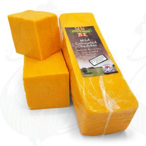 Red Cheddar cheese - Mild    Block of 2,5 kilo / 5.5 lbs